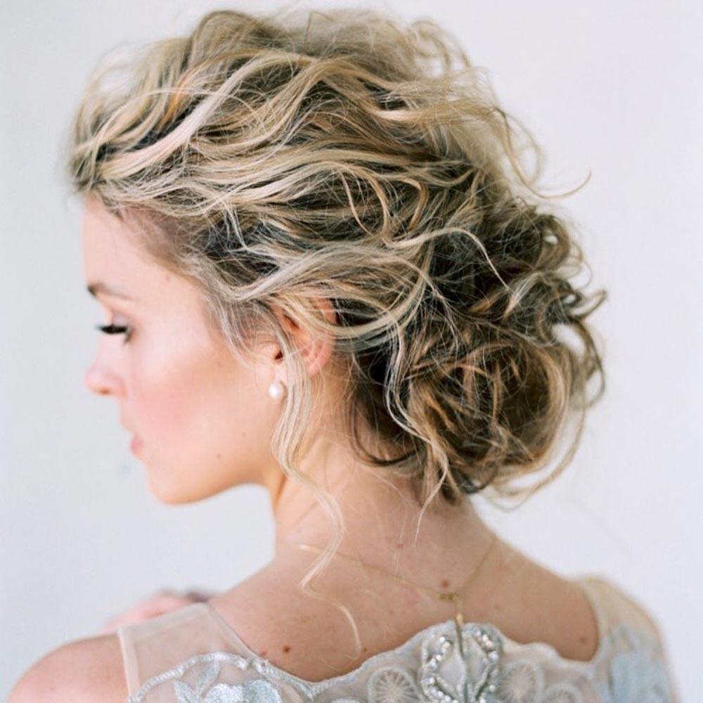 long Wavy haircut wedding style for bridesmaid