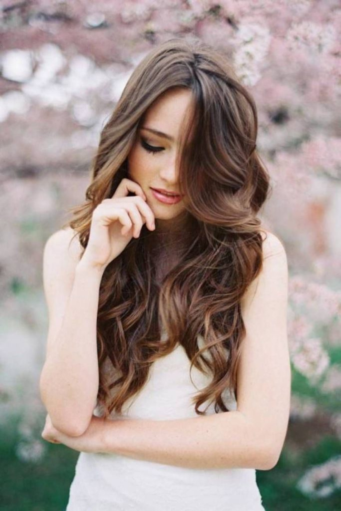 long Wavy hairstyles-for-weddings-for-bridesmaidstrends_2020