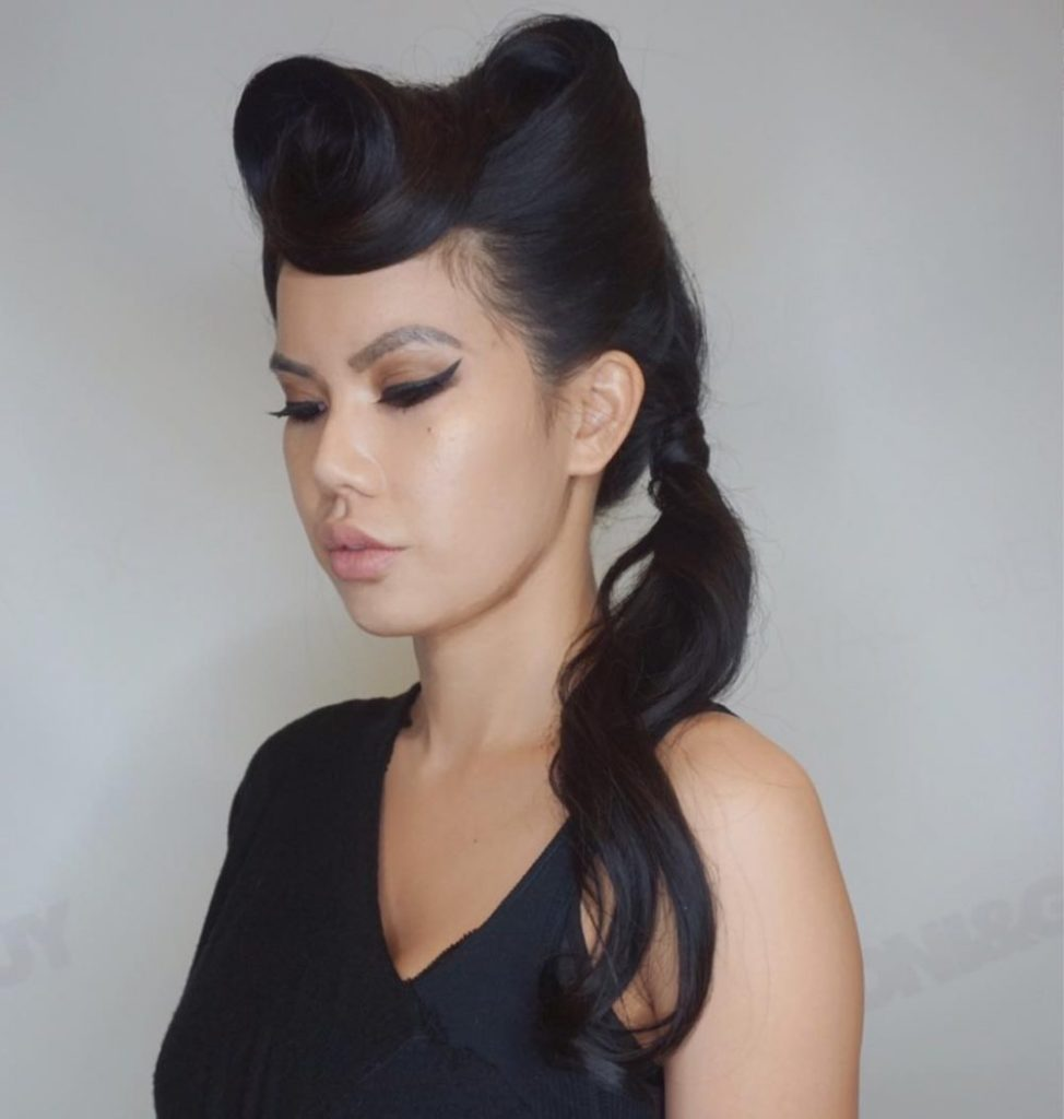 Long women Over 50 ans Haircuts trends 2020 black 80s pony tail hairstyle 1