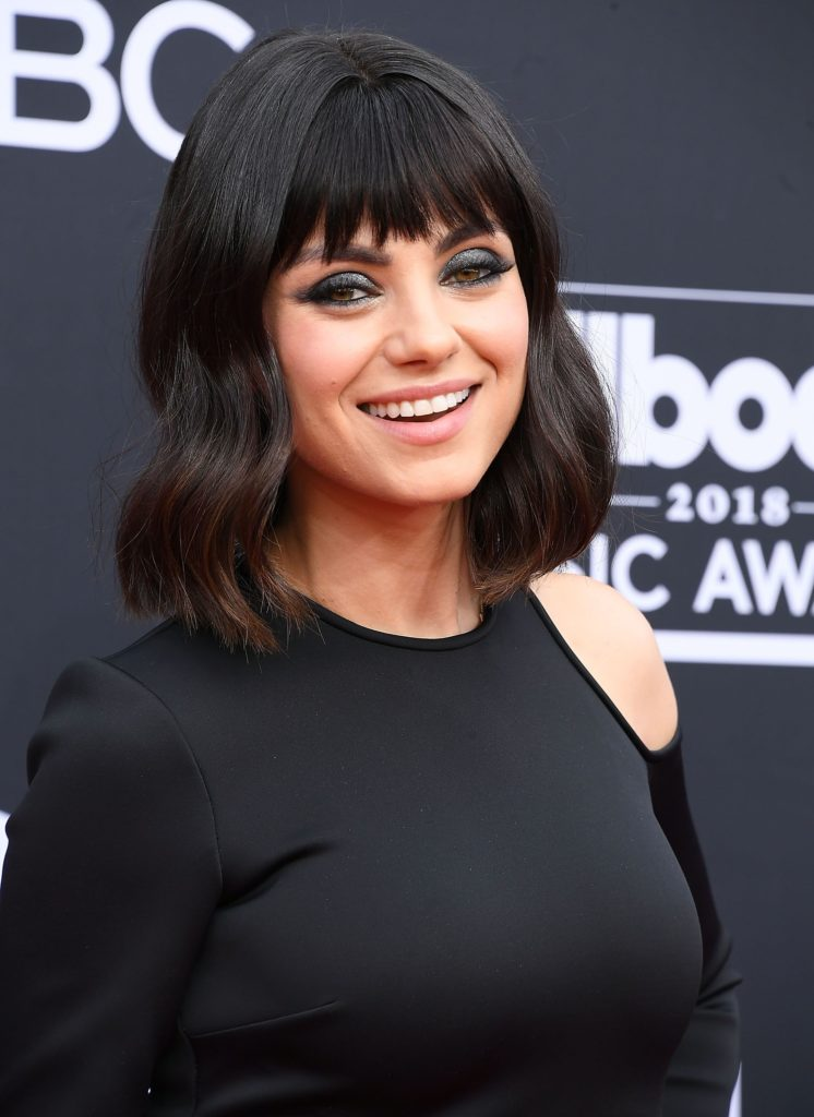 Long women Over 50 ans Haircuts trends 2020 black with bangs 1