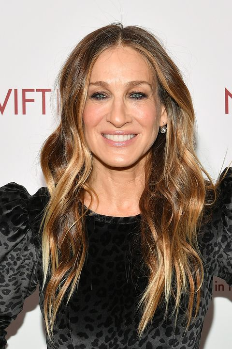 Long women Over 50 ans Haircuts trends 2020 blonde wavy long 1