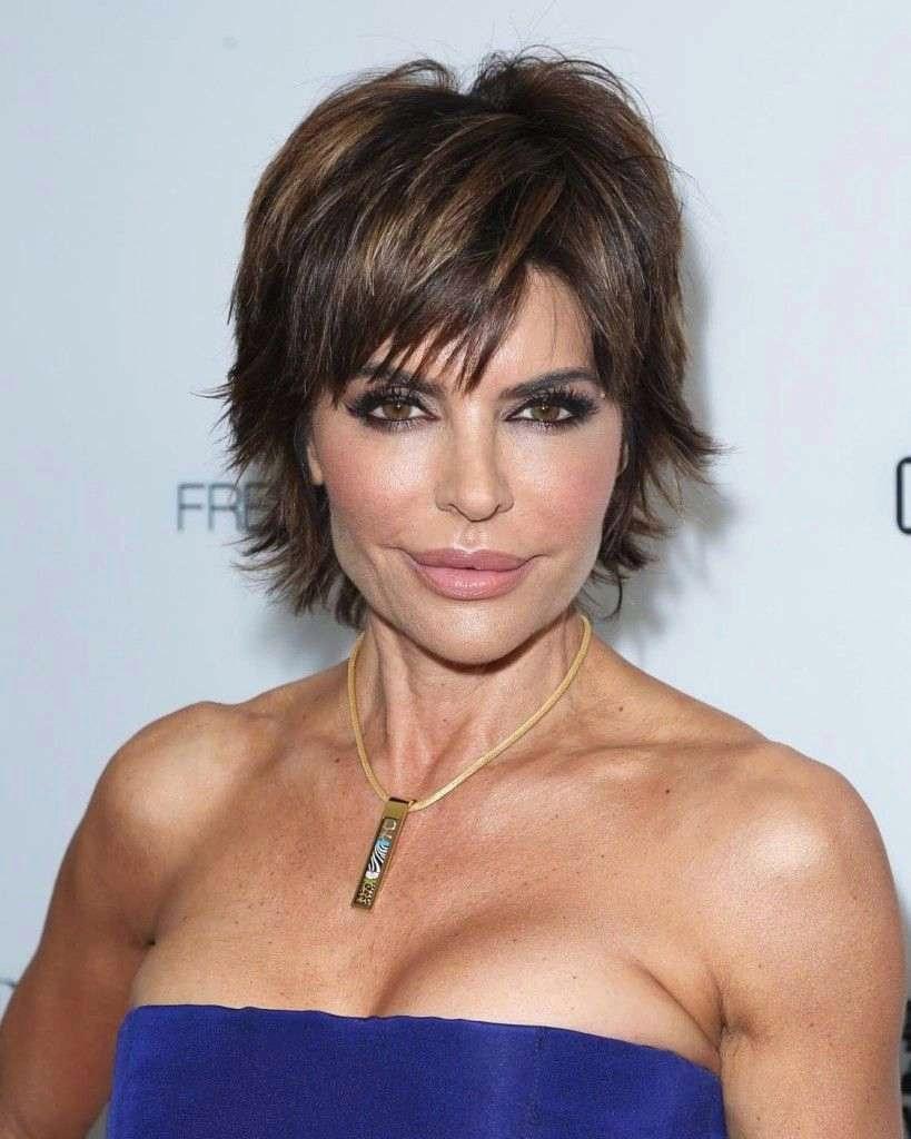 Long women Over 50 ans Haircuts trends 2020 brunette artichaut with bangs 1