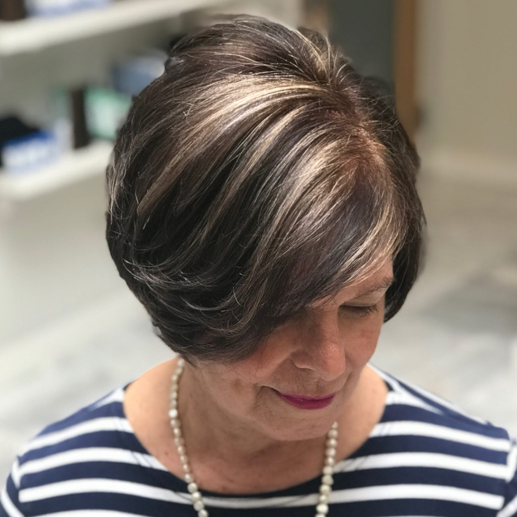 Long women Over 50 ans Haircuts trends 2020 brunette balayage with blonde highlights 1
