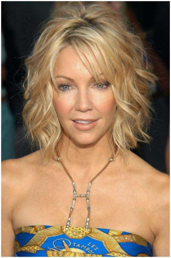 30 Hot Medium Hairstyles For Women Over 50 Years