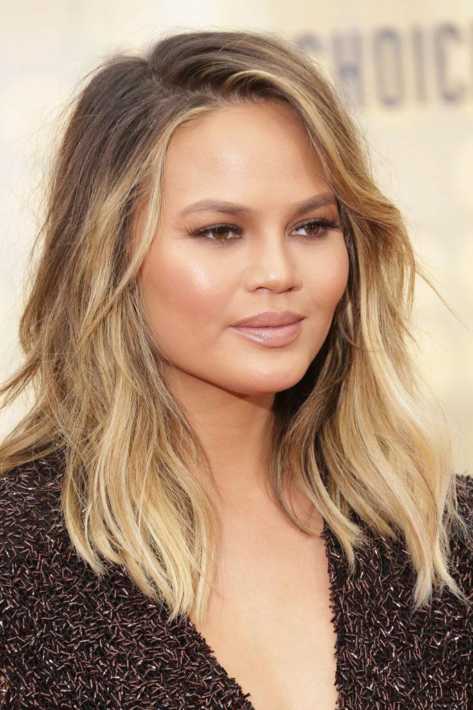 Medium Balayage Hairstyles trends 2020 Natural blonde highlights