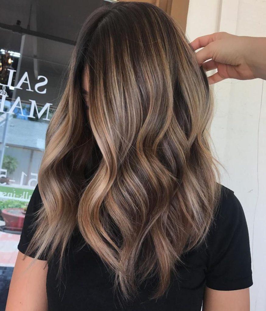 Medium Balayage Hairstyles trends 2020 Wavy