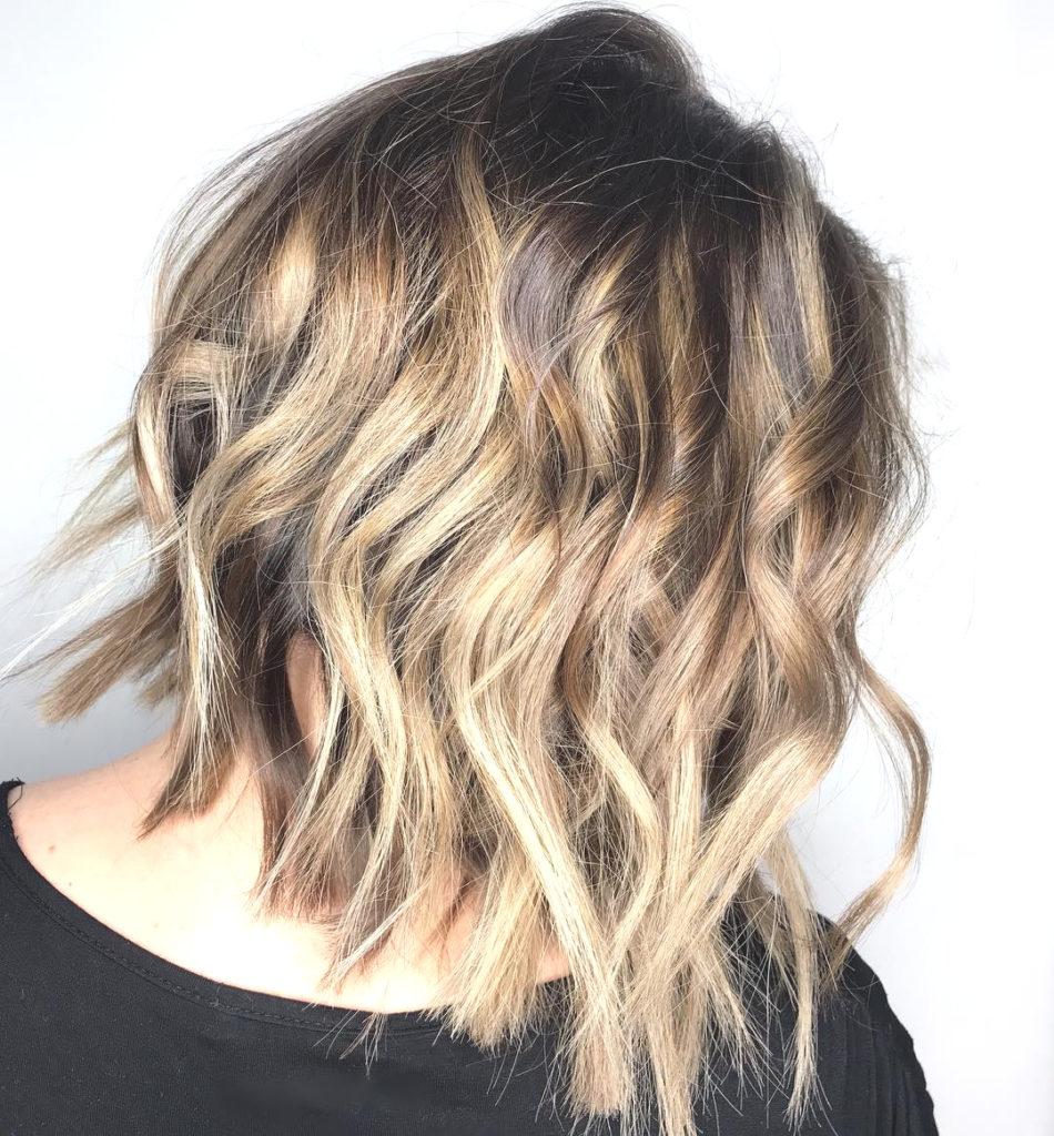 Medium Balayage Hairstyles trends 2020 platinium blonde color wavy