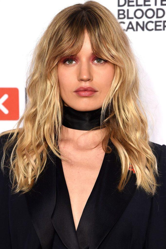 Medium Teens Haircuts trends 2020 messy blonde with bang 4