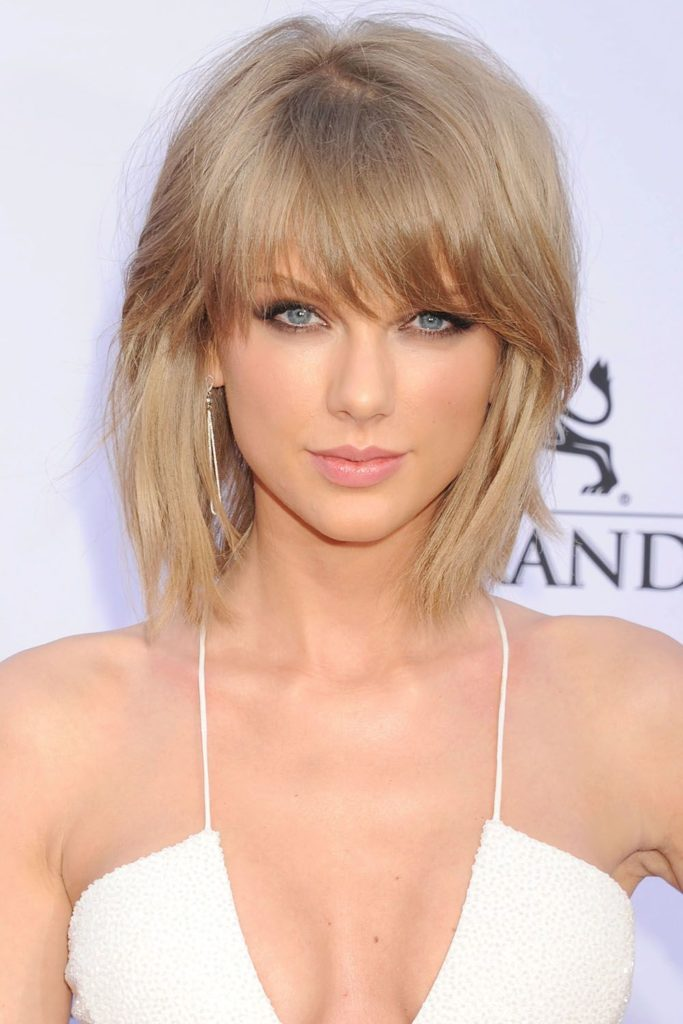 Medium women Over 50 ans Haircuts trends 2020 Blonde Taylor swift thin hair 1