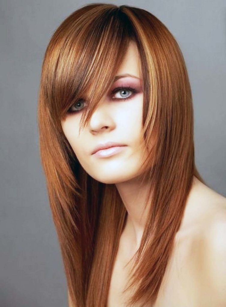 Medium women Over 50 ans Haircuts trends 2020 red choppy with bang 1