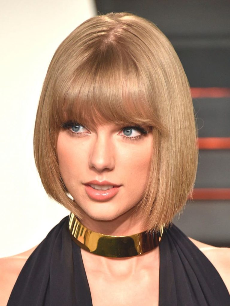Taylor Swift Blonde short bangs hairstyle