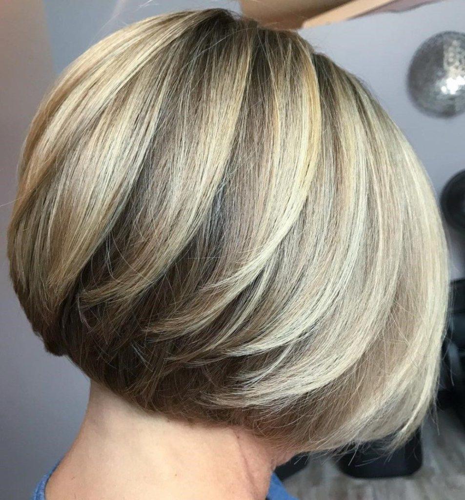 Short Bob Haircuts trends 2020 Balayage Blonde color straight hair 4