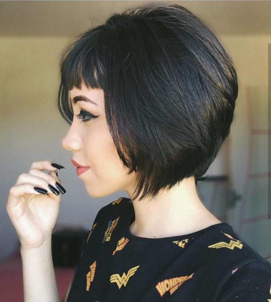 Short Bob Haircuts trends 2020 Black color straight hair 3