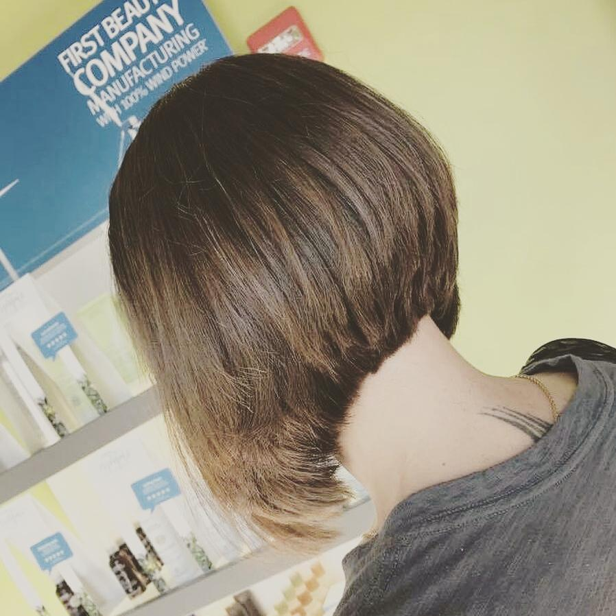 Short Bob Haircuts trends 2020 Blonde straight haircut 3
