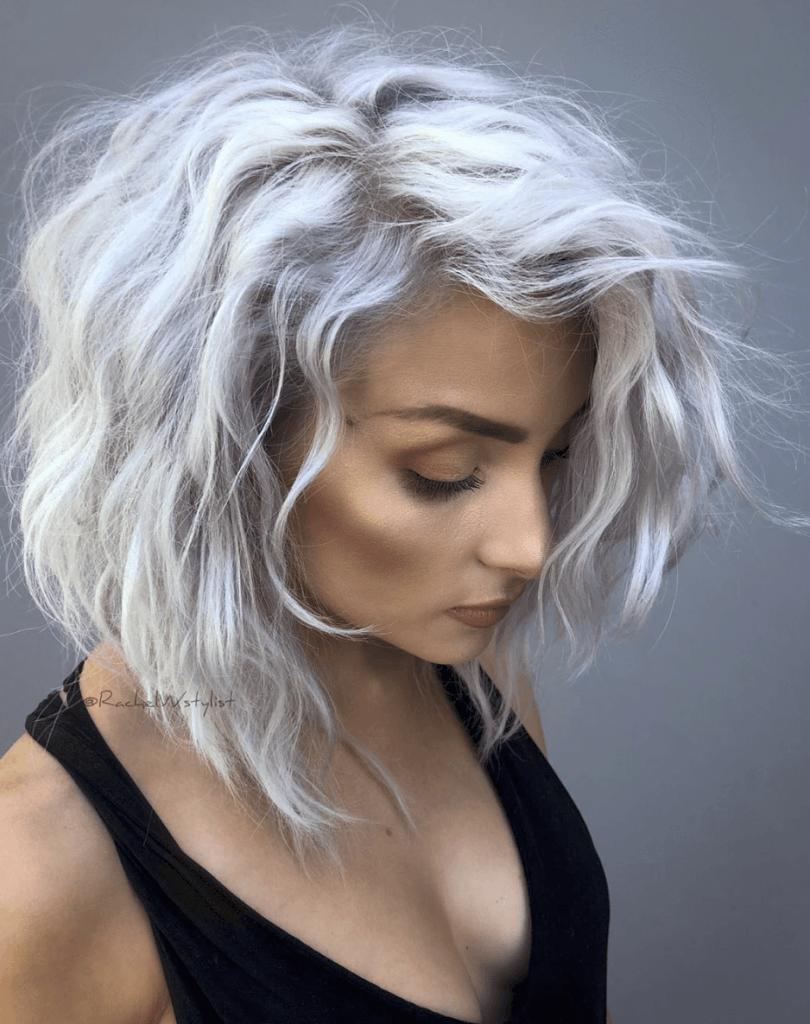 Short Bob Haircuts trends 2020 White gray wavy balayage Copie 3
