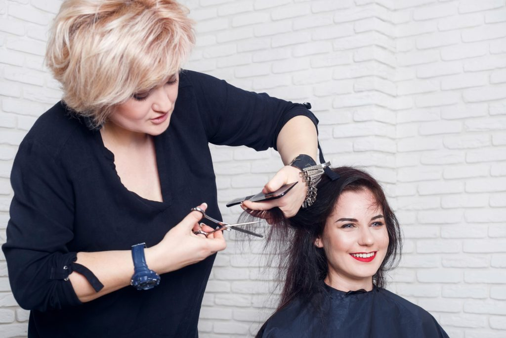 Short women Over 50 ans Haircuts trends 2020 2346 1