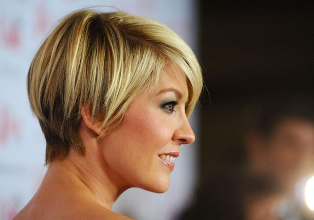 Short women Over 50 ans Haircuts trends 2020 pixie cut 1