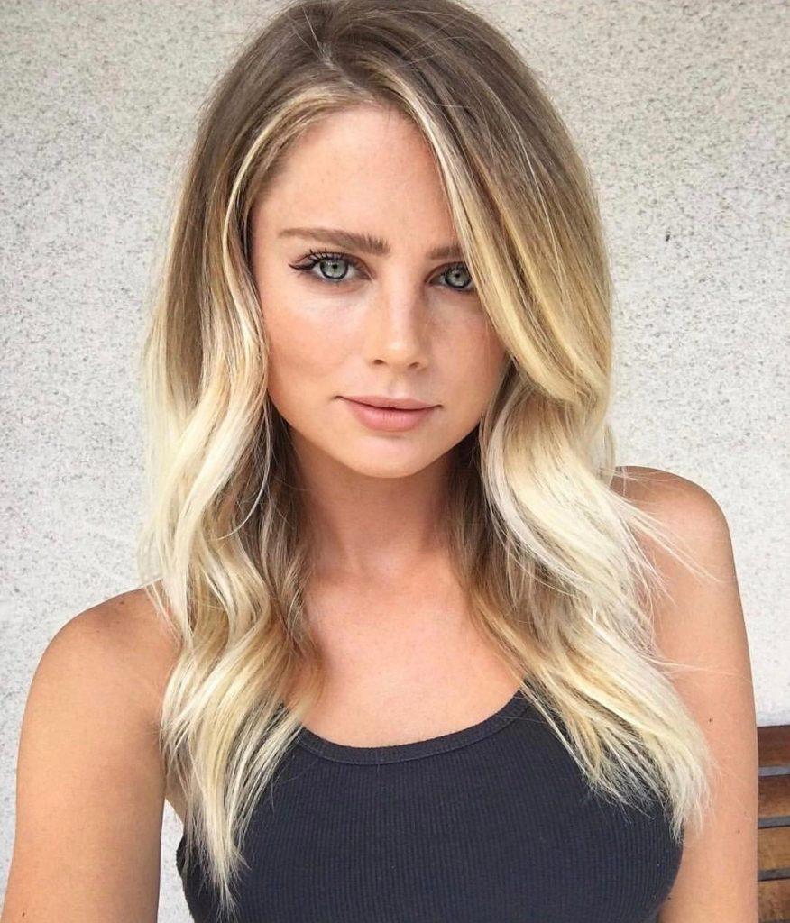 Medium haircut for square face Blond Wavy hair