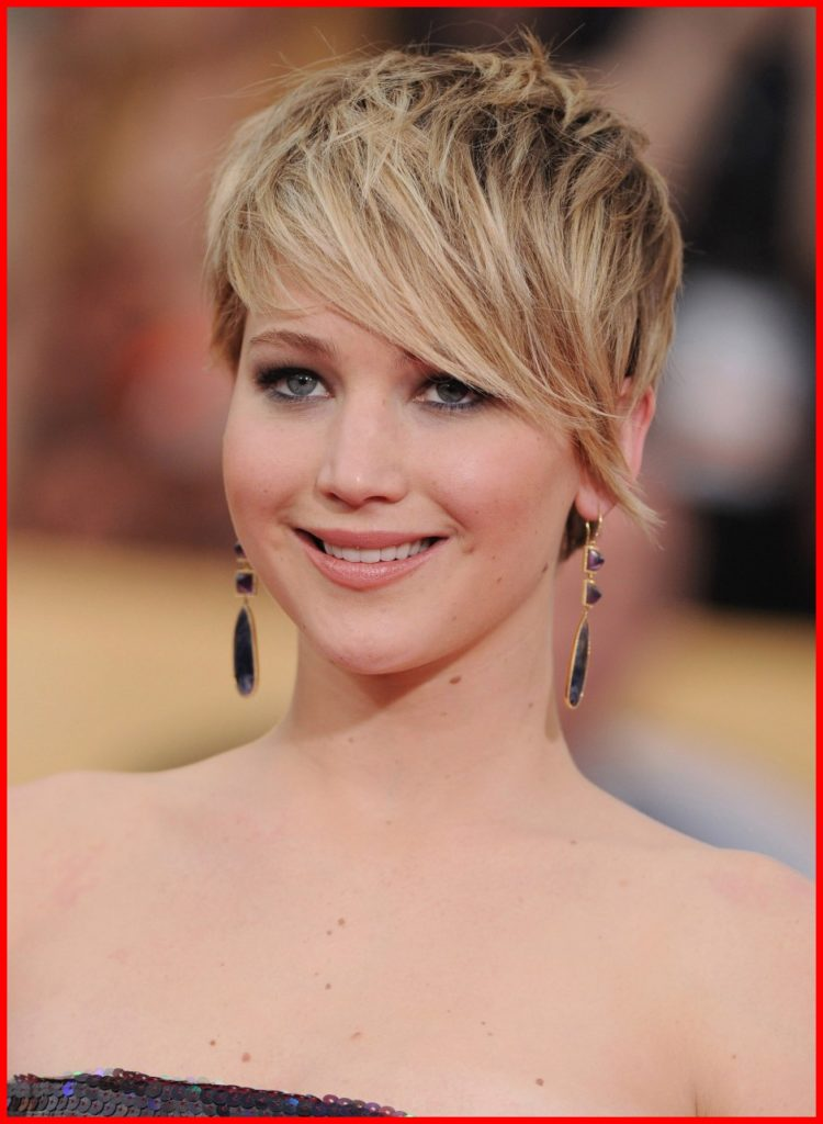 Long Pixie Haircuts trends 2020 Blond Color balayage 1
