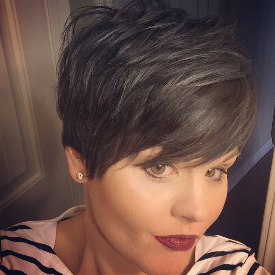 Long Pixie Haircuts trends 2020 Gray highlights 1