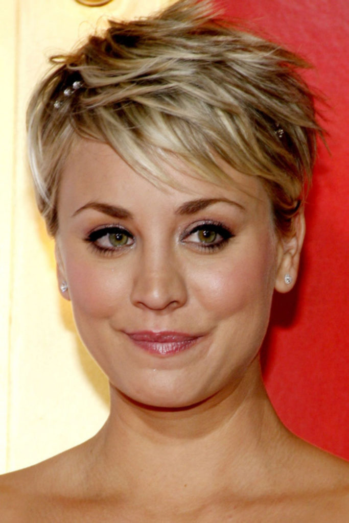 Long Pixie Haircuts trends 2020 blond choppy layers 1