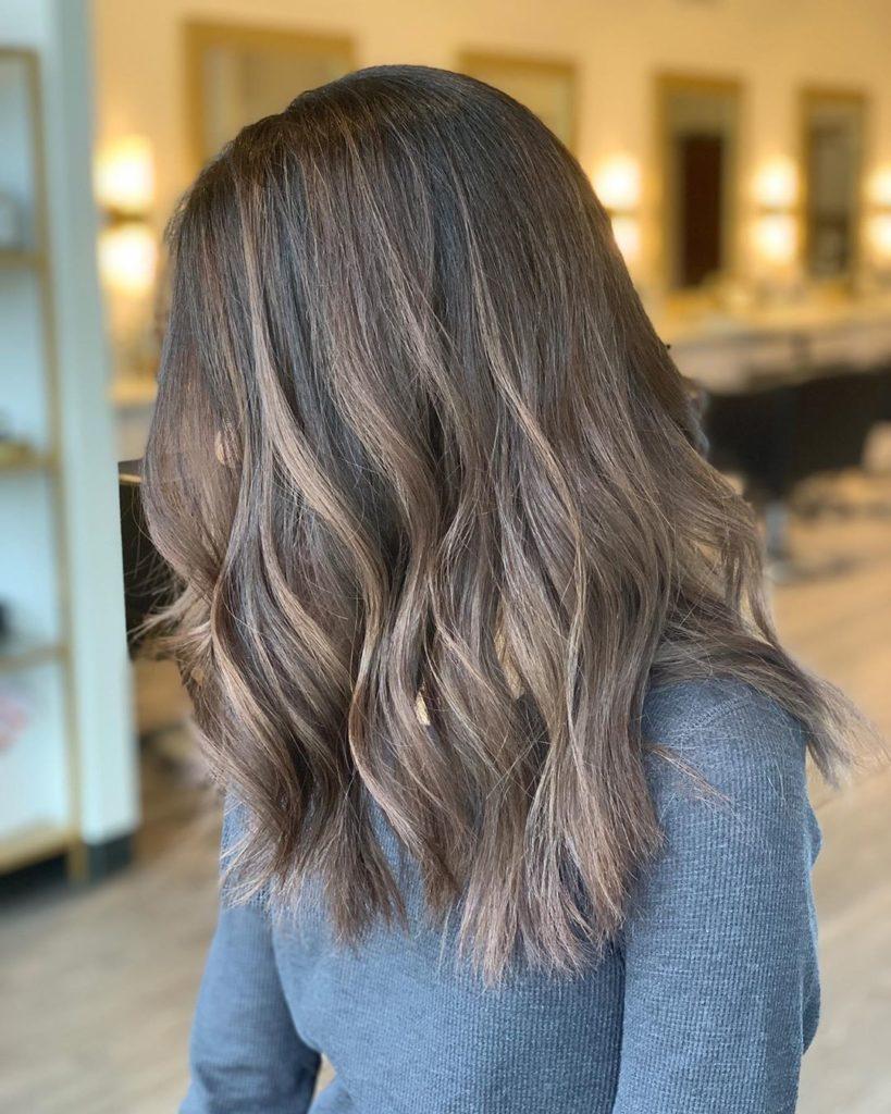 Medium Balayage Hairstyles trends 2020 wavy ash blonde highlights