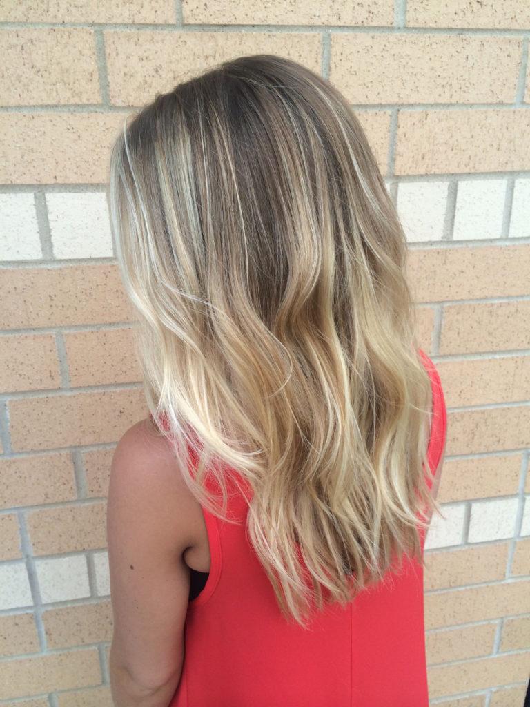 Medium Highlights Hairstyles trends 2020 Ash blonde hue 3