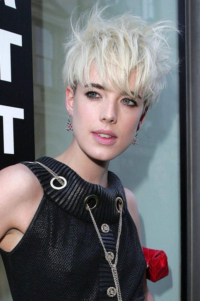 Medium Pixie Haircuts trends 2020 ash gray pixie cut 6