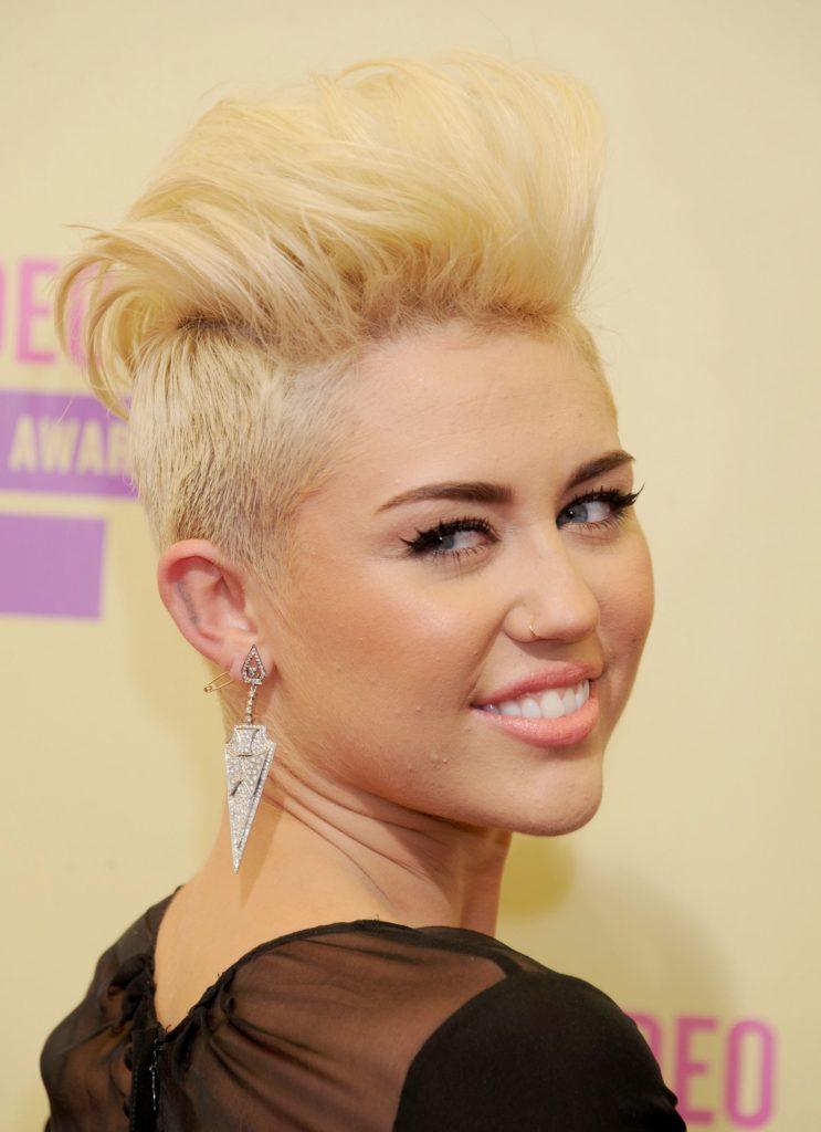 Medium Pixie Haircuts trends 2020 Miley cyrus platinum Blonde Pixie 3