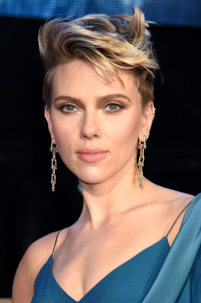 Medium Pixie Haircuts trends 2020 blonde highlights 4