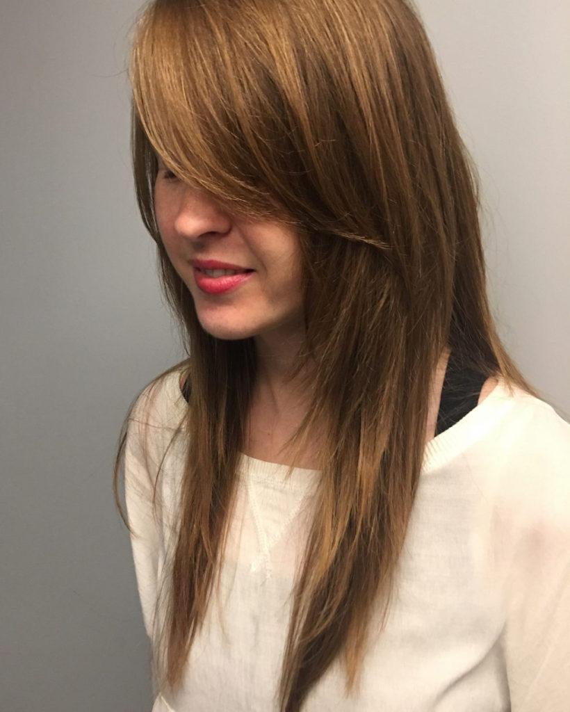 Medium Shag Haircuts trends 2020 straight hair caramel with bang