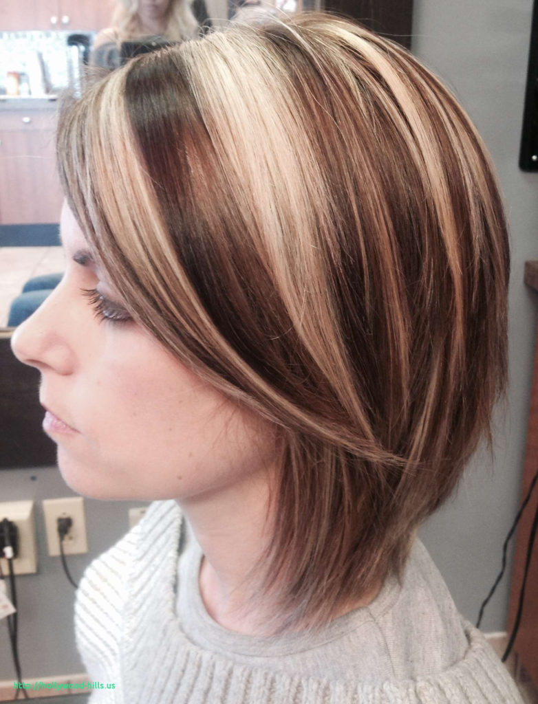 Short Highlights Hairstyles trends 2020 Baby blonde haircut color