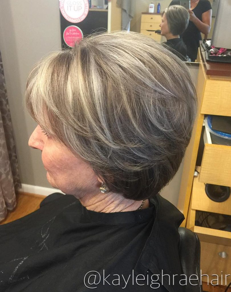 Short Highlights Hairstyles trends 2020 Blond Shades