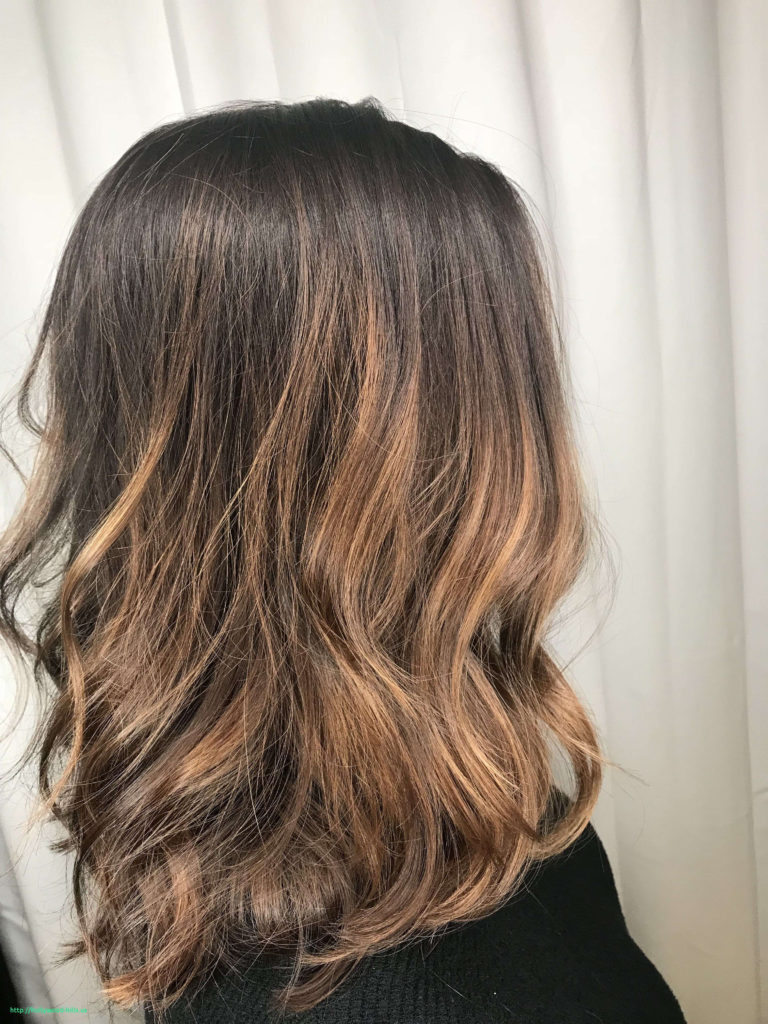 Short Highlights Hairstyles trends 2020 Blonde