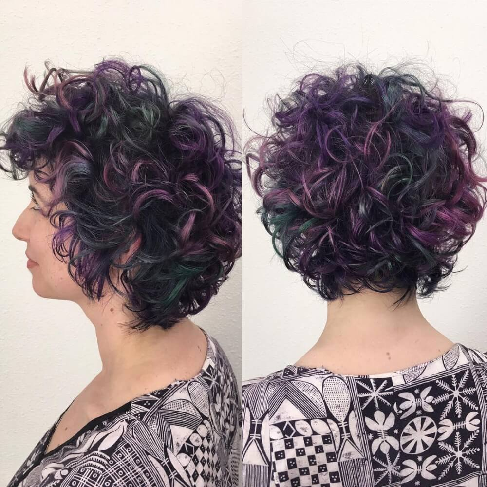 Short Highlights Hairstyles trends 2020 Curly leather black and burgundy highlights 1