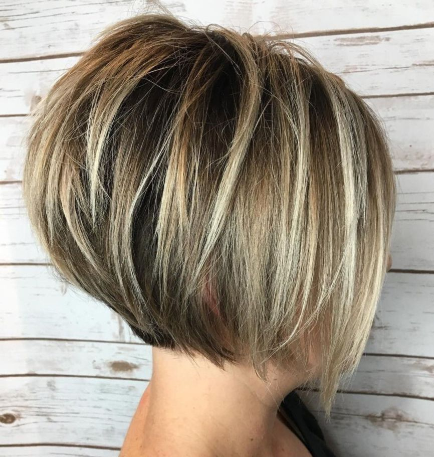 Short Highlights Hairstyles trends 2020 Diamond blond colo 1