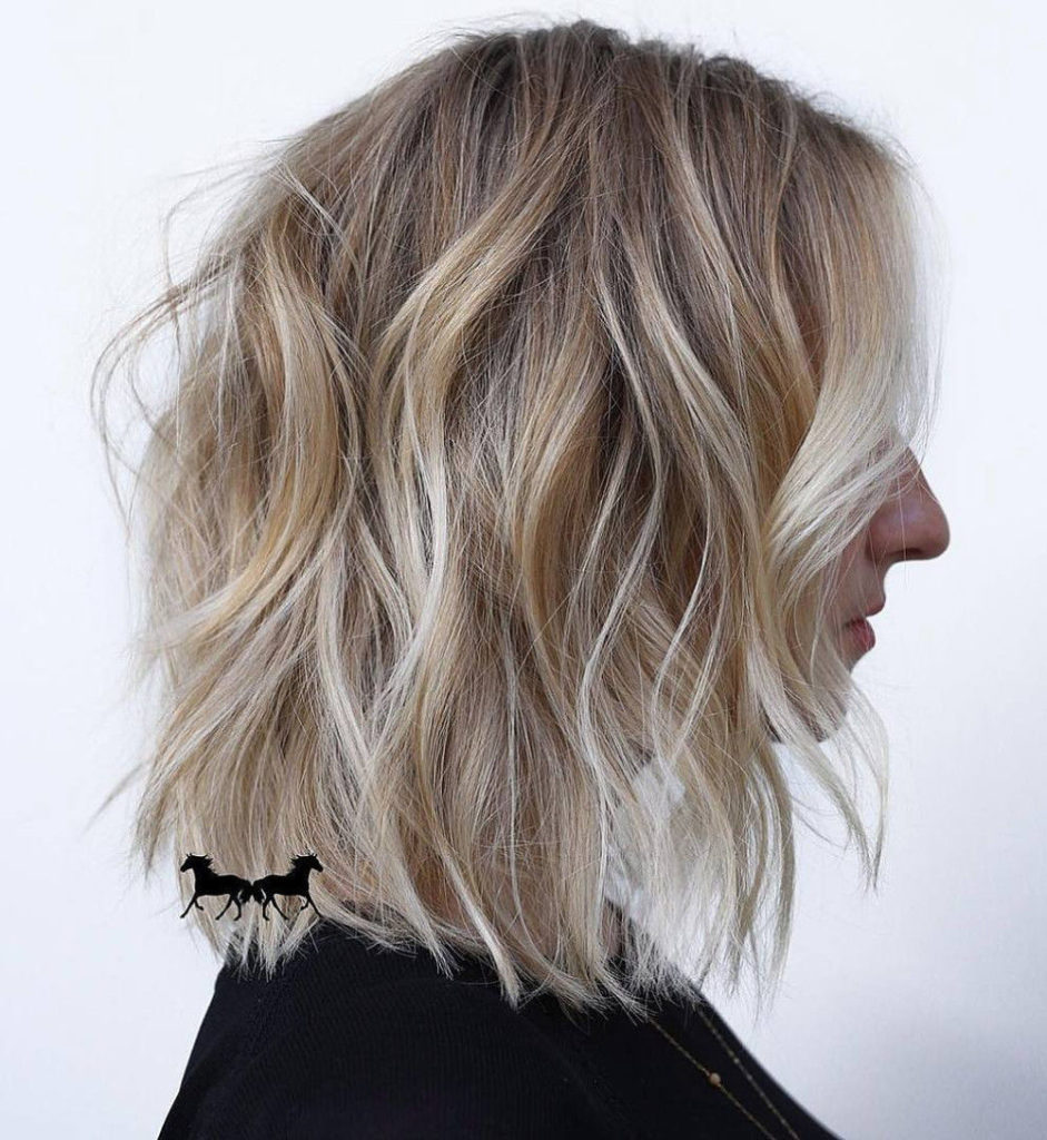 Short Highlights Hairstyles trends 2020 ash gray color 1
