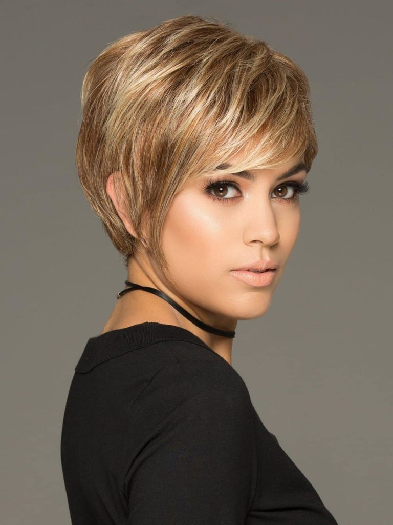 Short Highlights Hairstyles trends 2020 baby blonde hair color 3