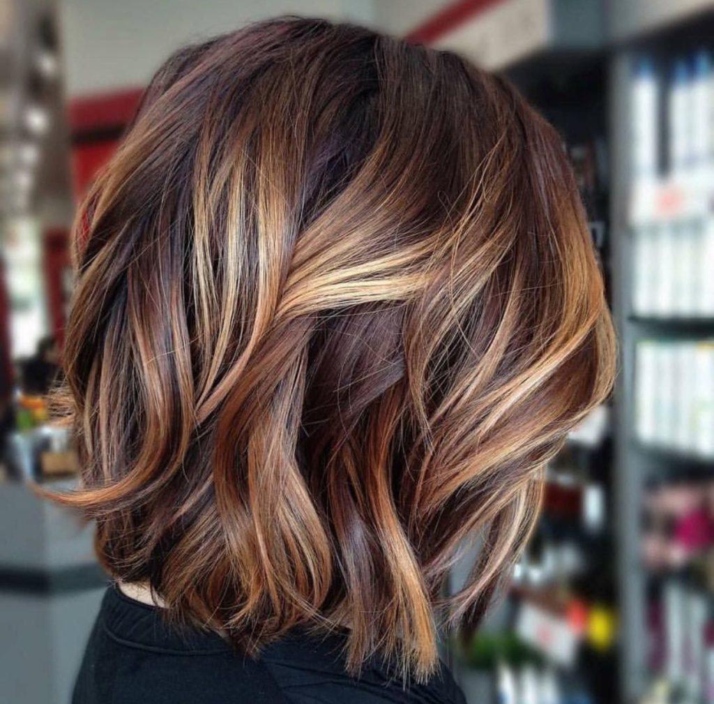 Short Highlights Hairstyles trends 2020 caramel blonde