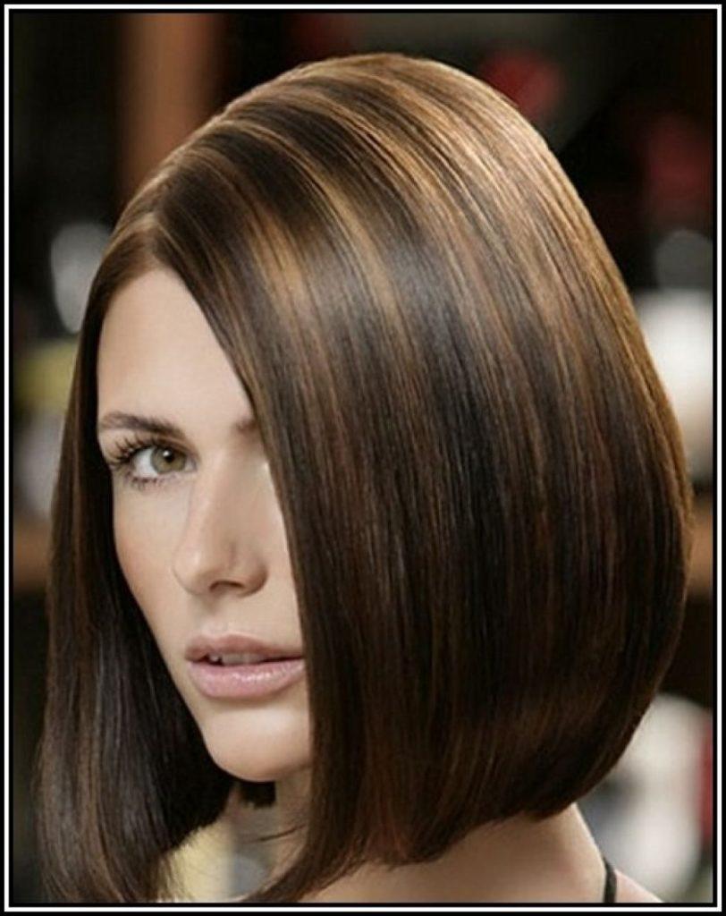 Short Highlights Hairstyles trends 2020 dark chocolate 2