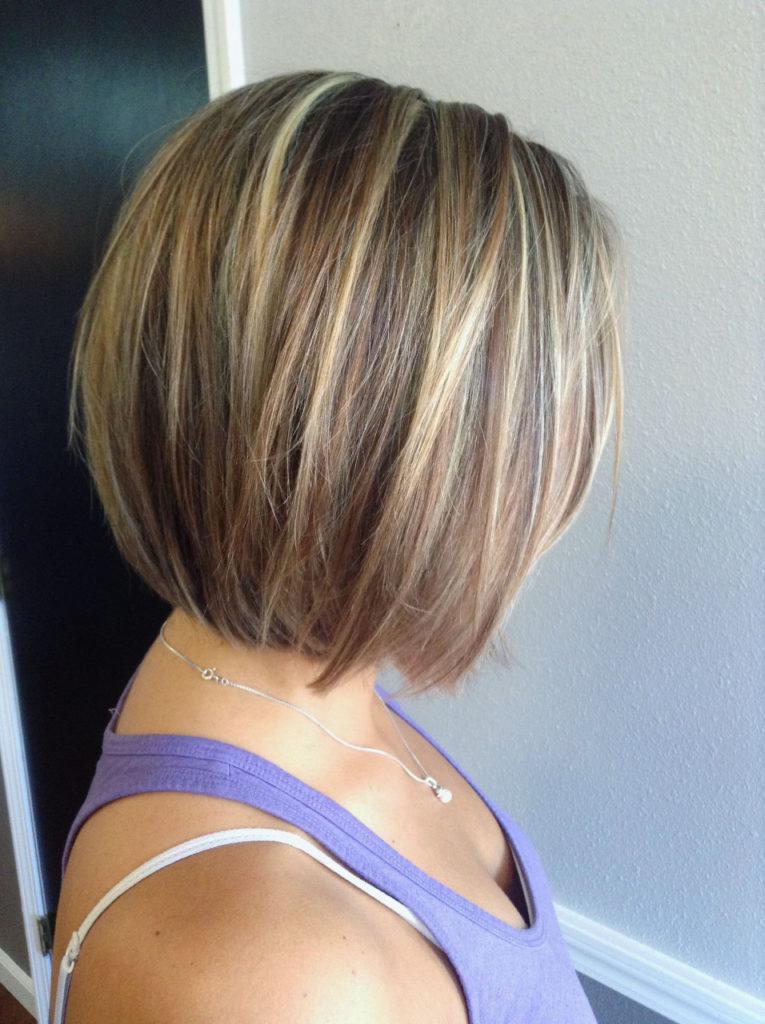 Short Highlights Hairstyles trends 2020 golden caramel blonde