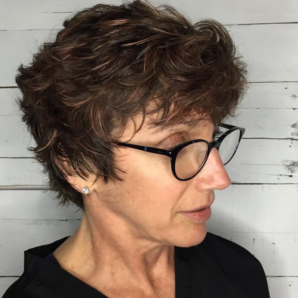 Short Highlights Hairstyles trends 2020 medium brown hair color