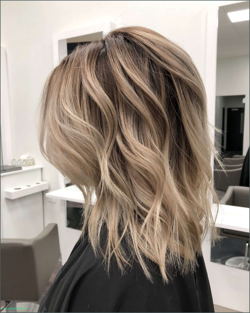 Short Ombre Hairstyles trends 2020 subtle blonde shade
