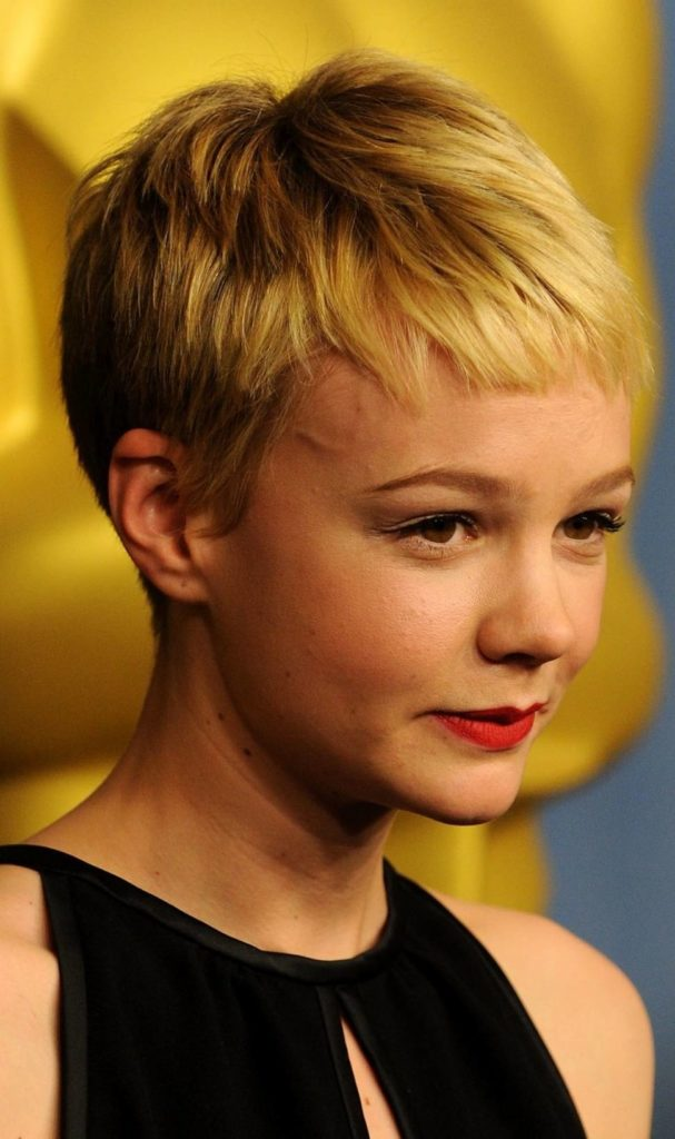Short Pixie Haircuts trends 2020 golden blonde 1