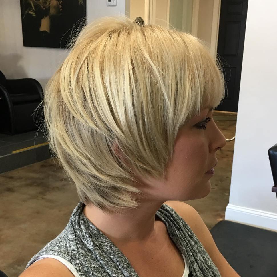 Short Shag Haircuts trends 2020 Choppy Platinum Blonde Layers with bang