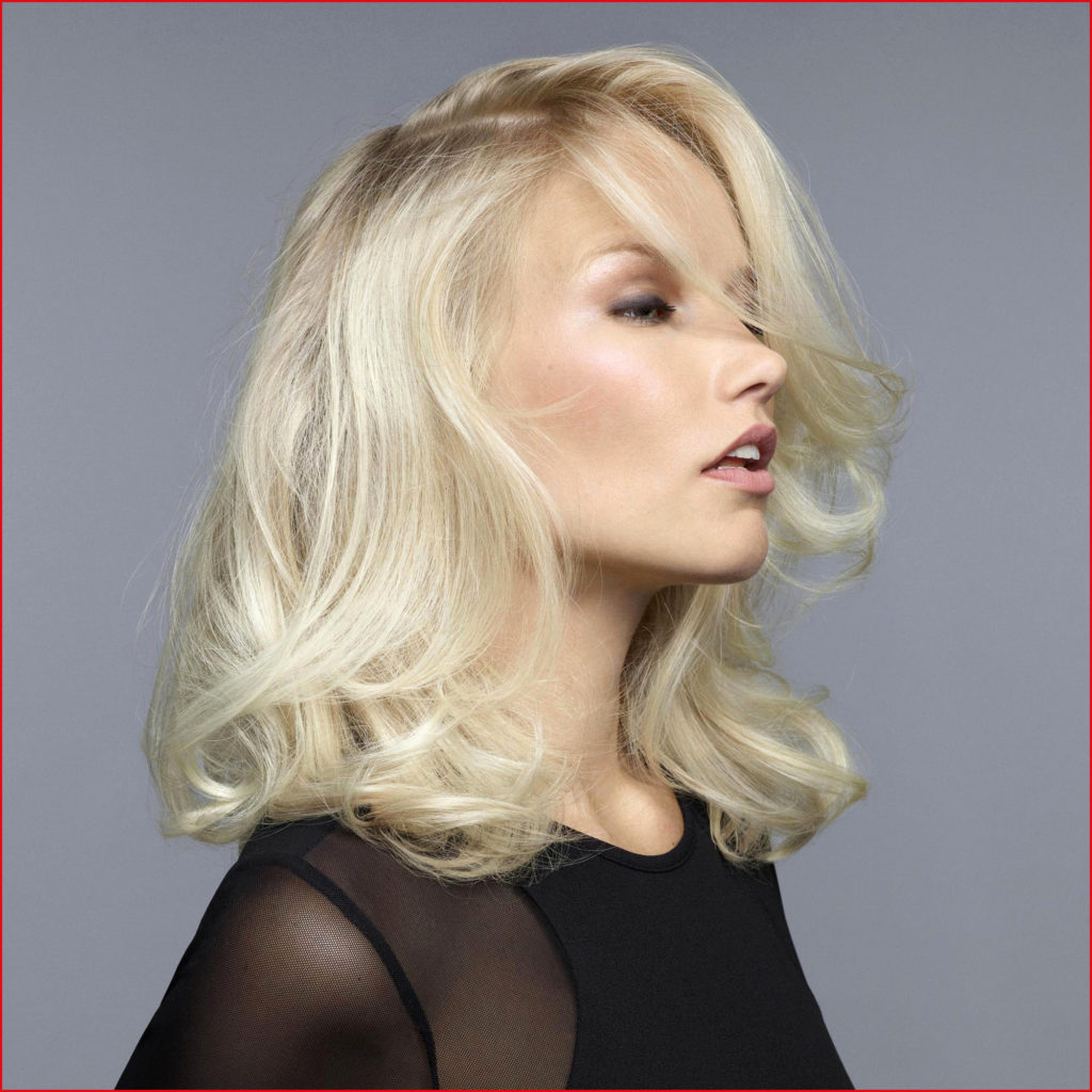 Short Shag Haircuts trends 2020 Wavy Blond