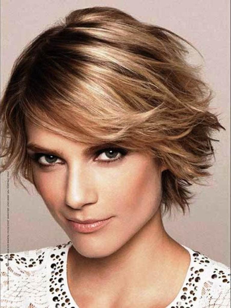 Short Shag Haircuts trends 2020 blond choppy layered bang hairstyle