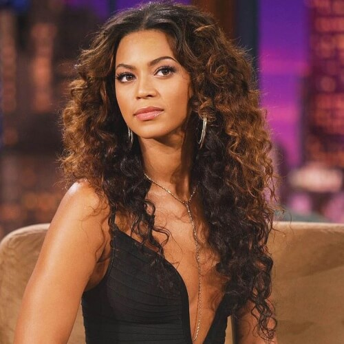 Beyoncé Long Curly Hairstyles with Middle Part
