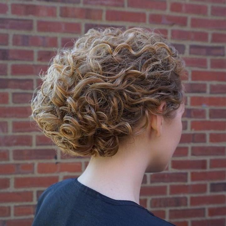 Curly Blonde Hairdo