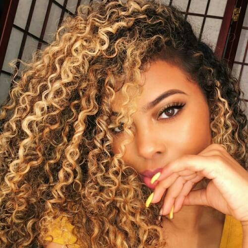Long Curly Hairstyles with Dark Roots